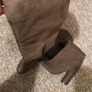 7.5 Knee Length Olive Boots